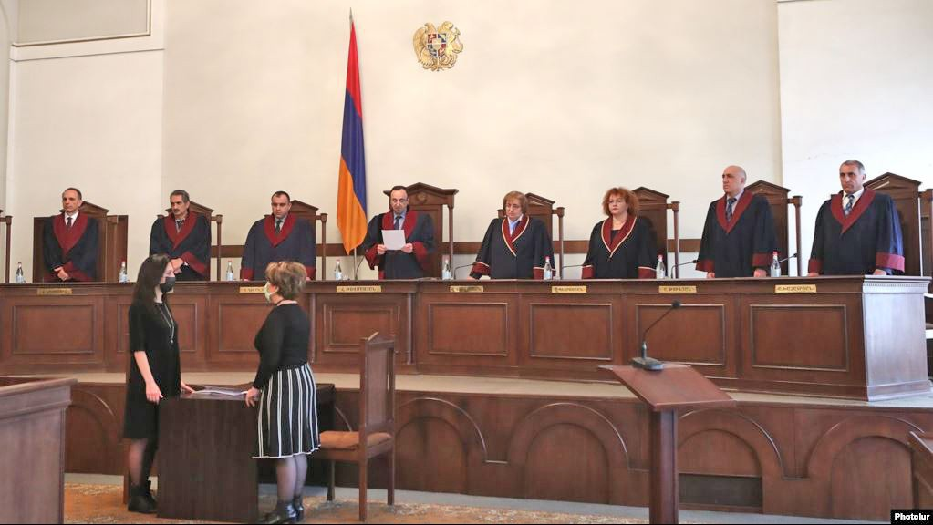 COMMENTARY: CONSTITUTIONAL CRISIS IN ARMENIA